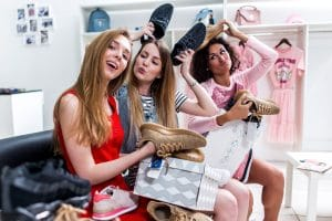 Shopping together with friends